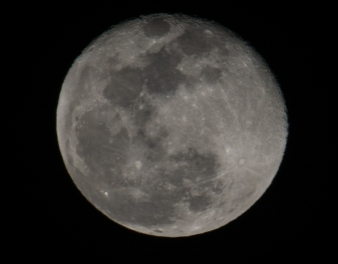 Full moon 99% down (taken in New Bern, NC) 1 February at 20:17:36 ISO 200 f/11 1/100s