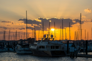 Sunset New Bern on 24th at 17:41:34 ISO 100 f/7 1/200s