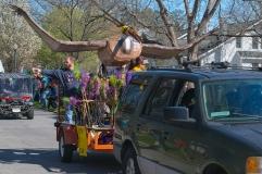 Mardi Gras Parada Ghent Neighborhood ISO 125 f/8 1/50s