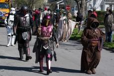 Mardi Gras Parada Ghent Neighborhood ISO 125 f/8 1/100s