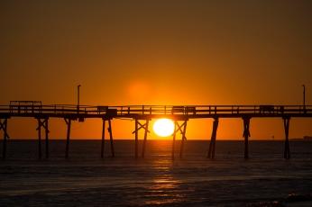 Sunset at Atlantic Beach at 17:59:23 ISO 125 f/4.5 1/1600s