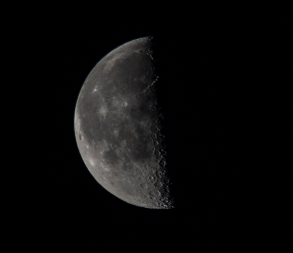 Moon at last quarter 50% down at 06:07:36 on the 9 March ISO 250 f/7.0 1/250s 300mm