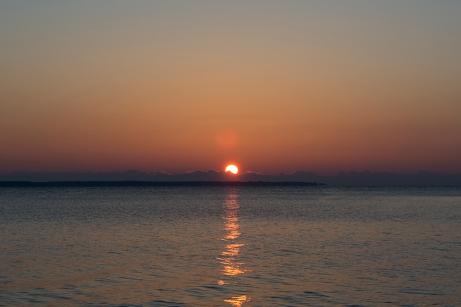 Sunrise at 07:25:22 ISO 100 f/5.6 1/125s