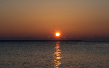 Sunrise at 07:27:08 ISO 125 f/9.0 1/100s