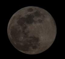 Moon Rise at 20:10:08 Full Moon 100% ISO 200 f/9 1/200