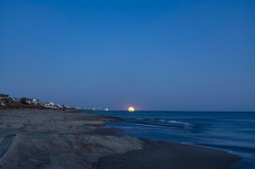 Moonrise at 18:46:29 Shutter Speed: 1.6sec Aperture: f/1.8 ISO: 100