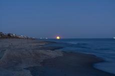 Moonrise at 18:46:59 Shutter Speed: 1.6sec Aperture: f/1.8 ISO: 100