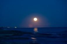 Moonrise at 18:54:18 Shutter Speed: 1/2 sec Aperture: f/4.8 ISO: 3200 110 mm