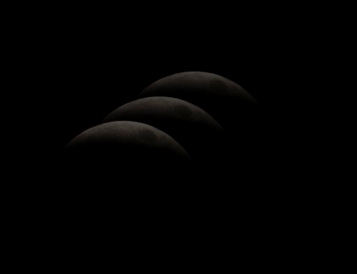 Lunar Eclipse at 23:28:37 Shutter Speed: 1/200 Aperture: f/8 ISO: 200 300mm