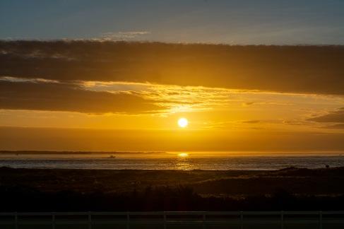 Sunrise om Beaufort Inlet at 07:26 Shutter Speed: 1/500 Aperture: f/11 ISO: 125 55mm