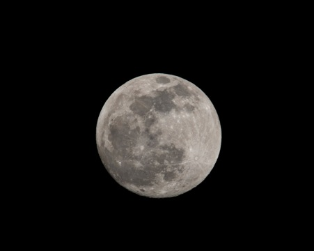 Full Moon Visible: 98% ↑ taken at 18:21 Shutter Speed: 1/125 Aperture: f/14 ISO: 125 Focal Length: 300mm