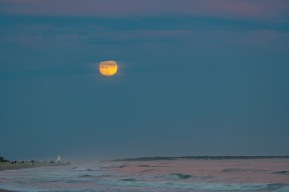 Moonrise at 18:57 on 30 September Shutter Speed: 1/4 Aperture: f/5 ISO: 50 Focal Length: 170mm