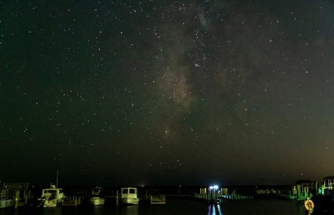 Milky Way in the evening sky Taken on 17 Oct at 20:21 Shutter Speed: 10.0 sec Aperture: f/2.8 ISO: 6400 Focal Length: 27mm