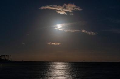 Blue Moon (Full) taken at 19:11 in Oriental Shutter Speed: 6.0 sec Aperture: f/4.5 ISO: 200 Focal Length: 55mm