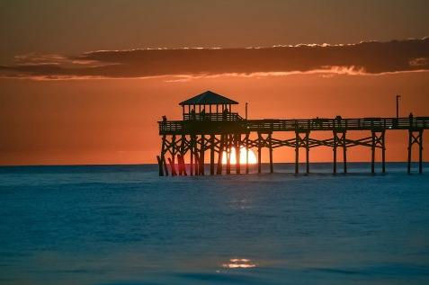 Sunset at Atlantic Beach on 4 October at 17:08 Shutter Speed: 1/200 Aperture: f/8 ISO: 50 Focal Lenght: 220mm